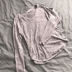 Sweaters - Cozy v neck sweater